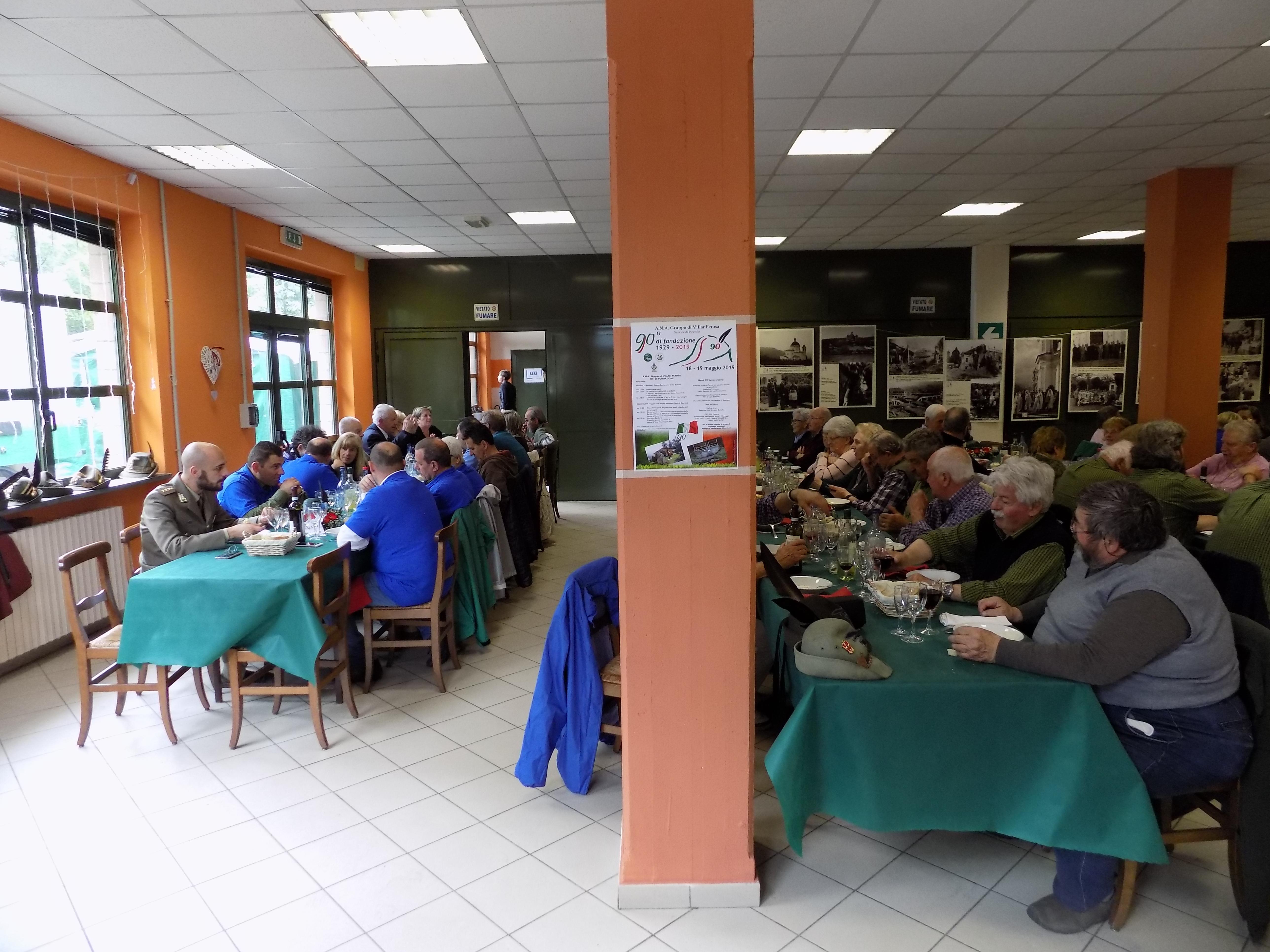 Il pranzo degli alpini e i loro parenti