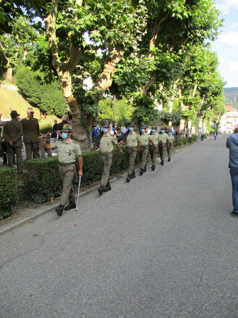 Picchetto D'Onore della Brigata Taurinense in marcia