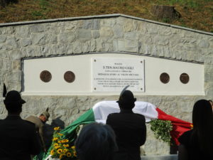 La Targa commemorativa per Gigli